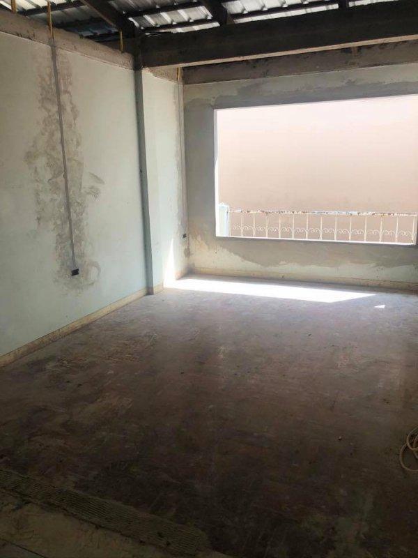 ก่อนทำงานออกแบบและตกแต่ง มุมสบายๆ ภายในบ้าน ปูพื้นลามิเนต