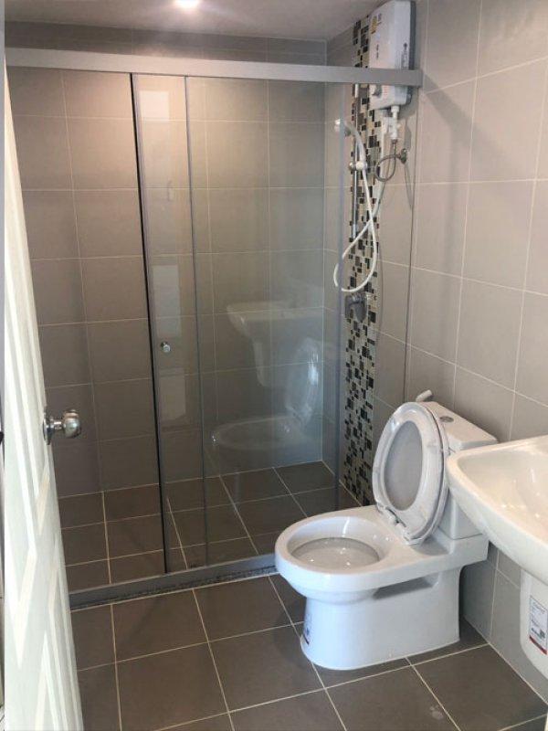 หลังทำงานออกแบบและตกแต่ง ปรับปรุงห้องน้ำให้ดูทันสมัย