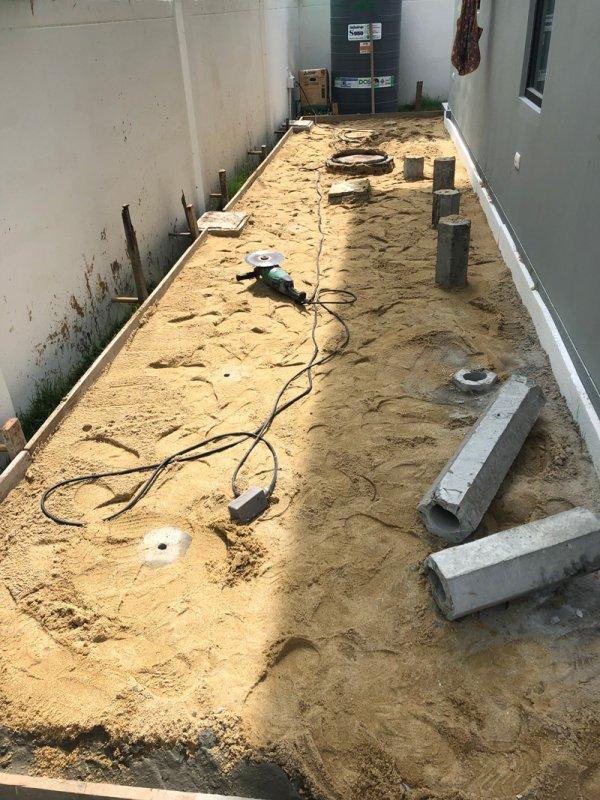 หลังทำงานโครงสร้าง ปรับพื้น กดเสาเข็มเตรียมเทพื้น