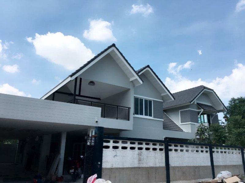ดีดบ้านให้สูงขึ้น พร้อมรีโนเวทบ้านใหม่ทั้งหลัง